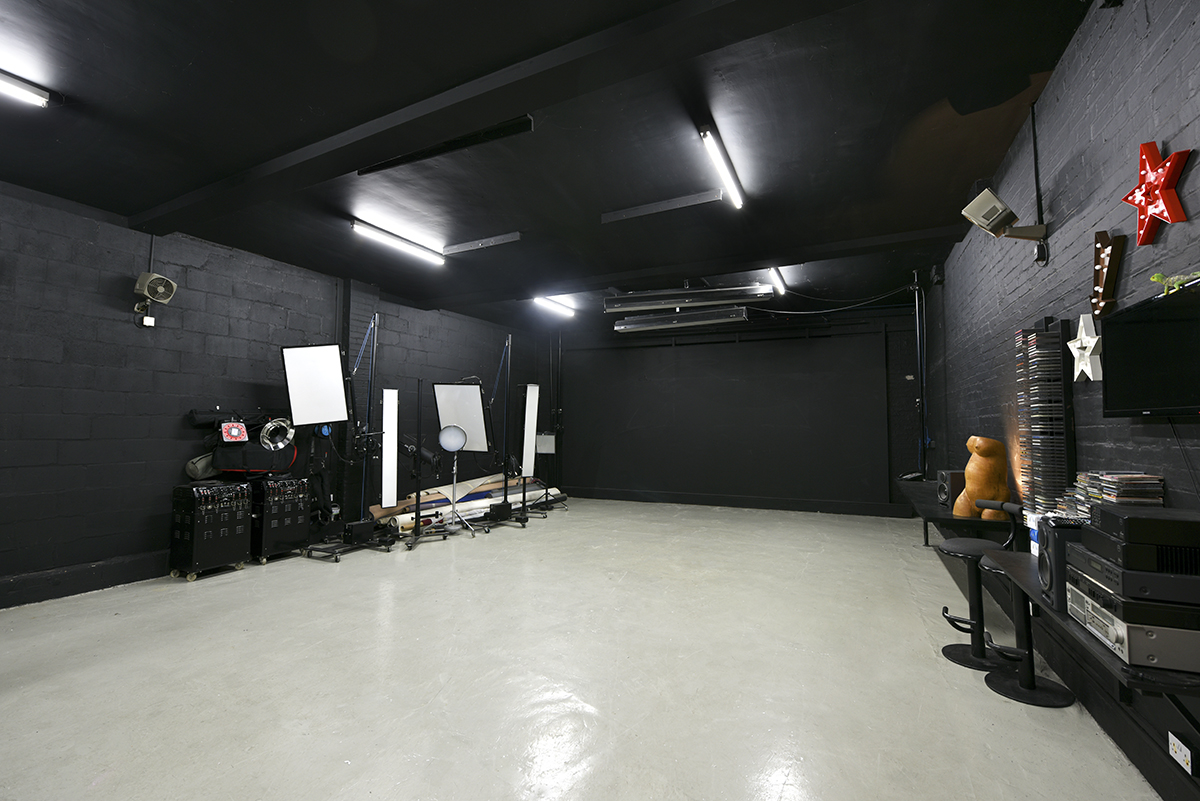 Fulham All Black Hire Studio