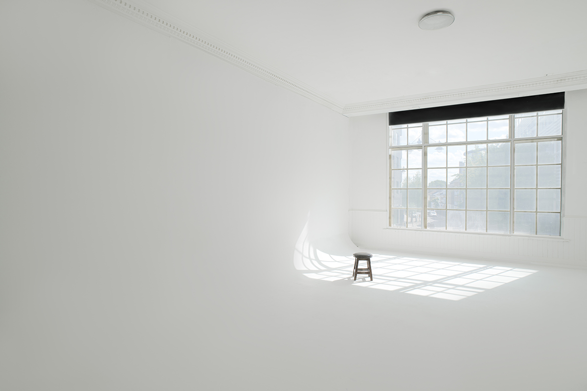 White photo studio — 2